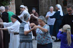 Casteller Ring dancing