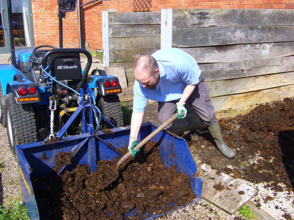 Shifting manure